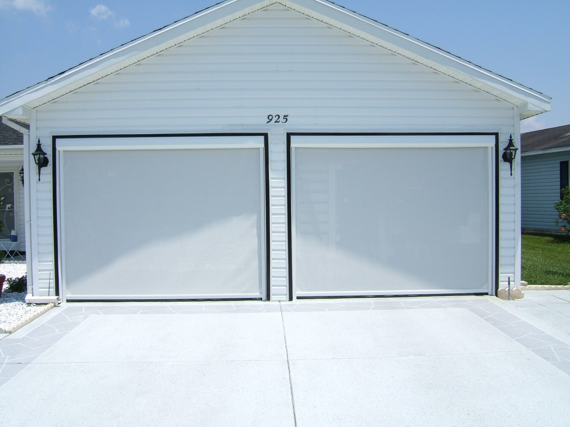 Residential Garage - Roman Shades, Roller Shades, Solar Shades, Cellular Shades, & more - Dynamic Delivery Blinds | Nashville, TN